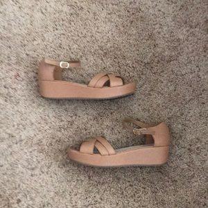 Rouge Helium Tan Wedge Sandals